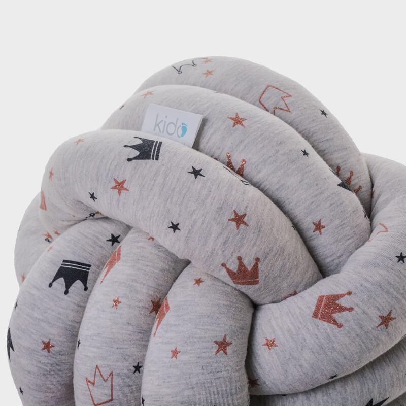 Kido sivi cvor jastuk sa krunicama