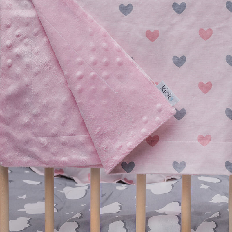 KIDO minky roze prekrivač sa rozim i sivim srcima.