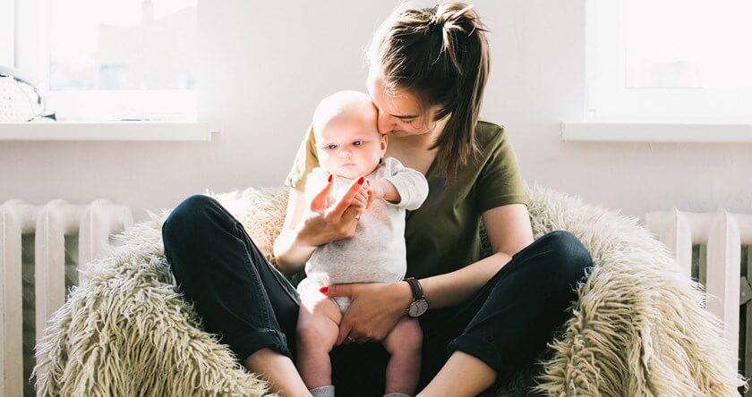 Prvo odvajanje mame i bebe – kako proći ovaj period bez stresa?