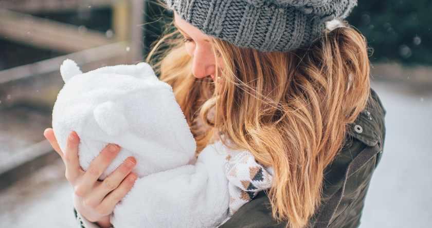 Beba na zimovanju – kako se pripremiti i na šta obratiti pažnju?