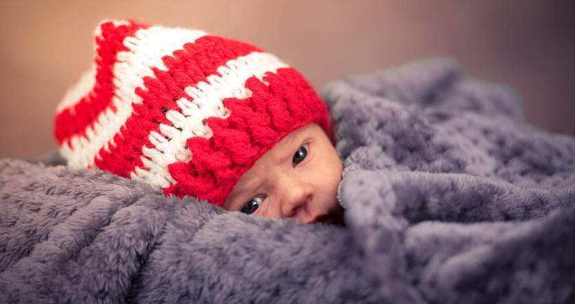 Šetnja bebe zimi – benefiti svežeg vazduha i saveti za oblačenje